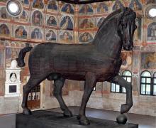 NOTTURNI D'ARTE 2017. Padova attraverso i secoli-Cavallo ligneo di Palazzo della Ragione