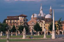 NOTTURNI D'ARTE 2017. Padova attraverso i secoli-Scorcio di Prato della Valle