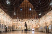 interno di Palazzo della Ragione