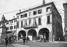 una foto storica di piazza Garibaldi