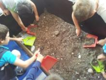 bambini e lo scavo archeologico